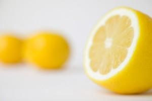 20-remedios-caseros-para-quitar-las-manchas-de-la-piel-4-730x486